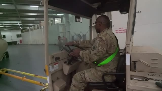 soldiers with the hawaii army national guard company b 1st battalion 171st aviation regiment prepare for an upcoming deployment with assistance from... - regiment stock videos and b-roll footage