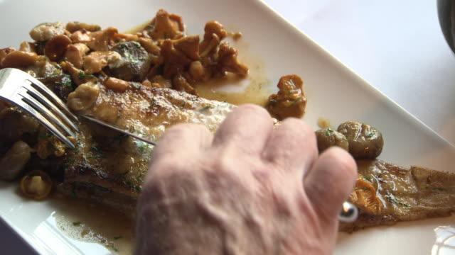 """vidéos et rushes de sole meunière is prepared in a restaurant, france - """"bbc universal"""""""