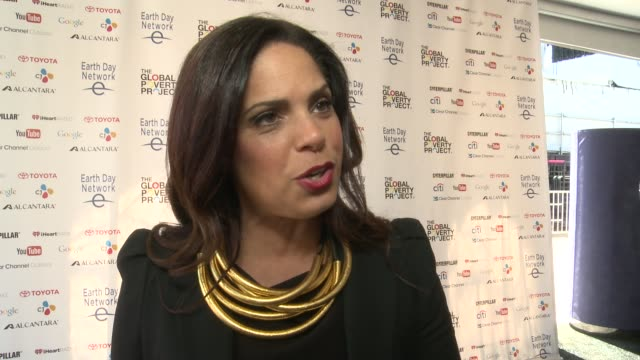 soledad o'brien on why the sustainable development goals being achievable at global citizen 2015 earth day on national mall to end extreme poverty... - interview raw footage stock videos & royalty-free footage