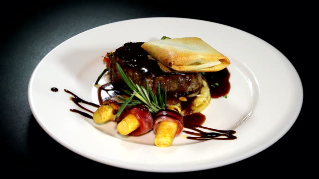 Solomillo de Ternera con salsa Oporto y Foie gras