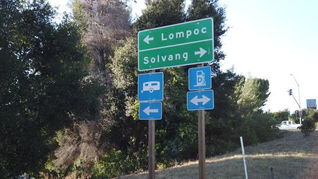 ソルバングとロンポックサイン - サンタイネス点の映像素材/bロール