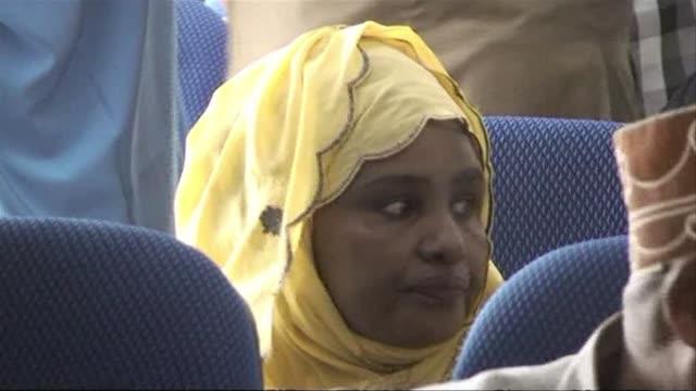 vídeos y material grabado en eventos de stock de somalias prime minister lost a confidence vote in parliament on saturday after months of dispute with the countrys president and international... - el cuerno de áfrica