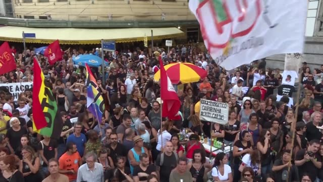 stockvideo's en b-roll-footage met some 2000 people rallied in rio de janeiro's central cinelandia plaza to demonstrate against the 19641985 dictatorship after far right president jair... - staatsgreep