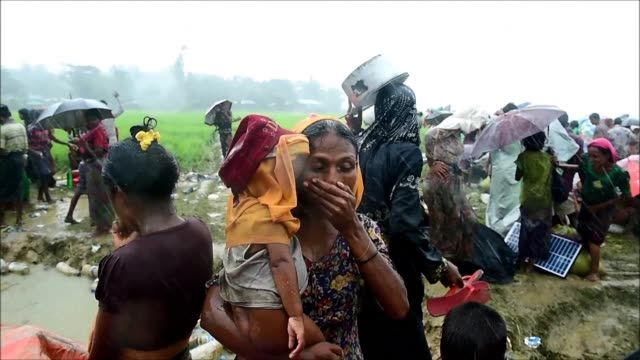 stockvideo's en b-roll-footage met some 582000 rohingya refugees have fled myanmar for bangladesh since late august according to the united nations warning that thousands more are... - myanmar