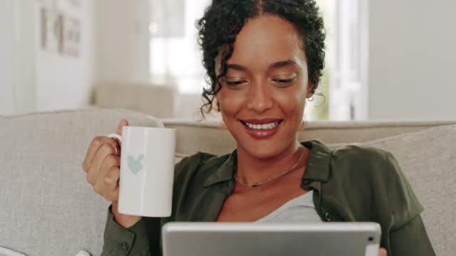 """vídeos de stock, filmes e b-roll de algum """"tempo para mim"""" é sempre necessário - molécula de cafeína"""