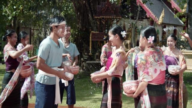 songkran festival: capodanno buddista in thailandia - bangkok video stock e b–roll