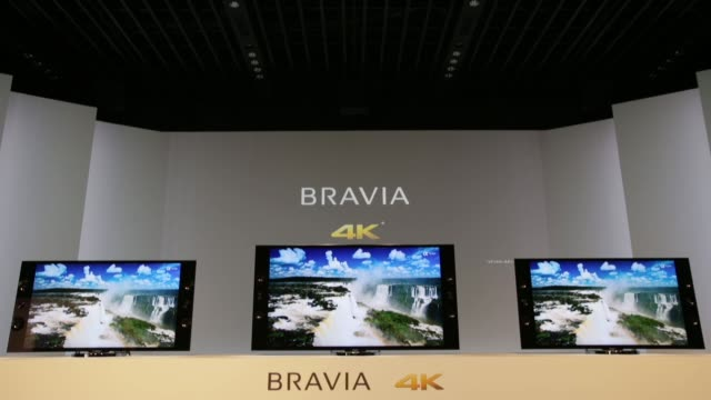 vídeos de stock e filmes b-roll de sony corp. bravia 4k liquid crystal display televisions are displayed at its launch in tokyo sony unveils new bravia televisions on april 11, 2013 in... - liquid crystal display