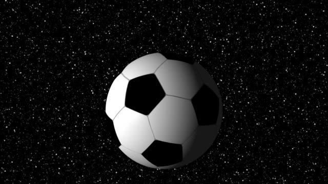soocer ball fliegt durch raum - internationaler fußball stock-videos und b-roll-filmmaterial