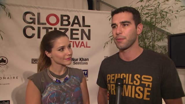 vídeos de stock, filmes e b-roll de sophia bush and adam braun on why tonight is important on the mission of promise of pencils on why tonight's festival is so important on what it... - sophia bush