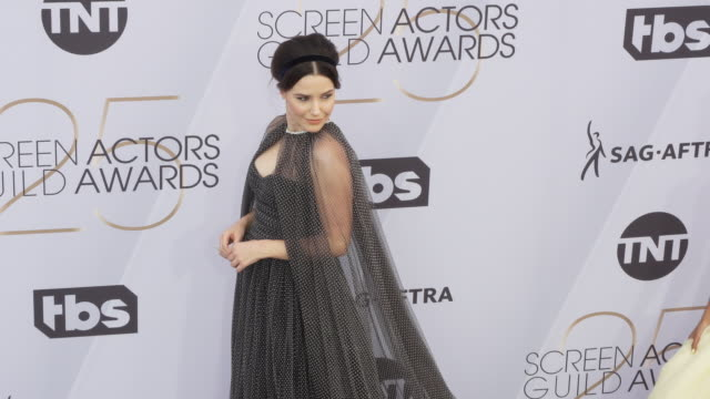 stockvideo's en b-roll-footage met sophia bush at the 25th annual screen actors guild awards at the shrine auditorium on january 27 2019 in los angeles california - screen actors guild awards