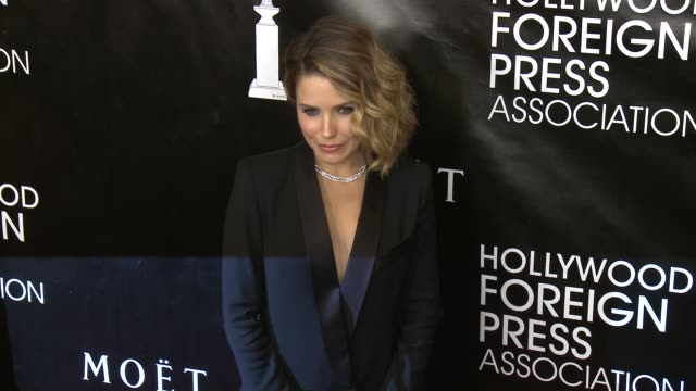 vídeos de stock, filmes e b-roll de sophia bush at the hollywood foreign press association's annual grants banquet dinner at the beverly wilshire four seasons hotel on august 13 2015 in... - sophia bush