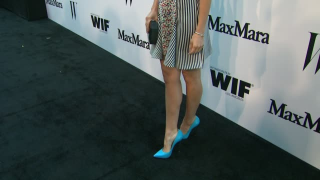 vídeos de stock e filmes b-roll de sophia bush at the max mara and w magazine cocktail party to honor the women in film max mara face of the future award recipient, rose byrne at... - rose byrne