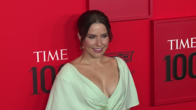 vídeos de stock, filmes e b-roll de sophia bush at time 100 most influential people in the world at jazz at lincoln center on april 23 2019 in new york city - sophia bush