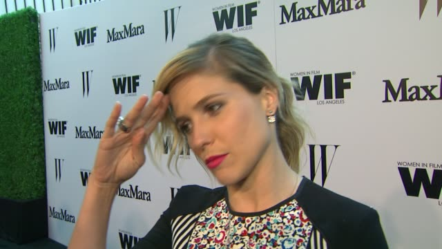 vídeos de stock e filmes b-roll de sophia bush on what brings her out, why it's important to support women in film & what she loves about max mara at the max mara and w magazine... - rose byrne