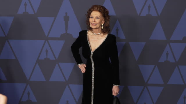 sophia loren at the 2019 governors awards on october 26, 2019 in hollywood, california. - sophia loren stock videos & royalty-free footage