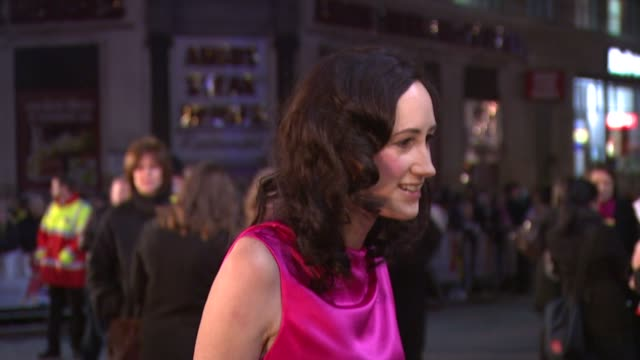 sophie kinsella at the confessions of a shopaholic uk premiere at london . - shopaholic stock-videos und b-roll-filmmaterial
