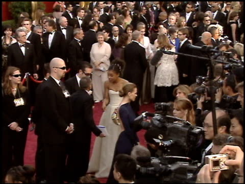 stockvideo's en b-roll-footage met sophie okonedo at the 2005 academy awards at the kodak theatre in hollywood, california on february 27, 2005. - 77e jaarlijkse academy awards