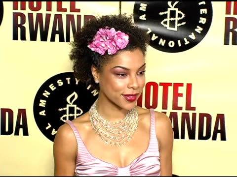sophie okonedo at the 'hotel rwanda' los angeles premiere at the academy theatre in los angeles california on december 3 2004 - sophie okonedo stock videos & royalty-free footage