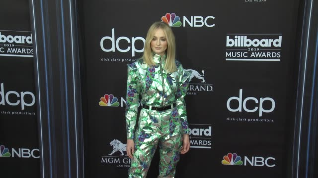 sophie turner at the 2019 billboard music awards at mgm grand garden arena on may 1 2019 in las vegas nevada - mgm grand garden arena stock videos & royalty-free footage
