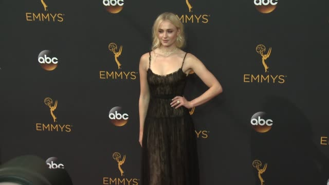 sophie turner at the 68th annual primetime emmy awards - arrivals at microsoft theater on september 18, 2016 in los angeles, california. - emmy awards stock-videos und b-roll-filmmaterial
