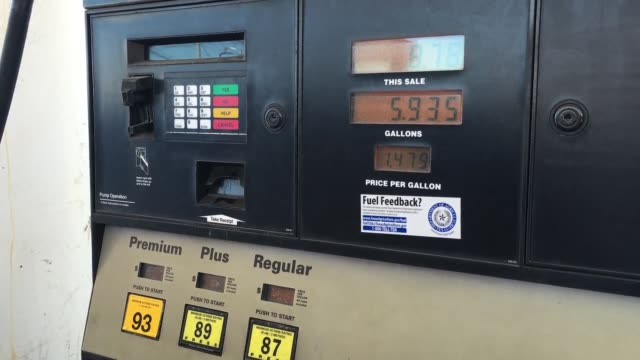 stockvideo's en b-roll-footage met sots with two houston drivers who react to the gas prices being at an alltime low broll of gas stations also included clip 8 is sot with a man named... - benzineprijzen