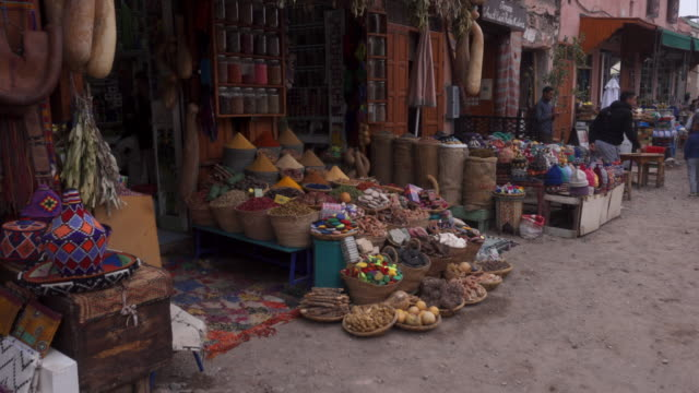 souks in the medina of marrakesh - moroccan culture stock videos & royalty-free footage