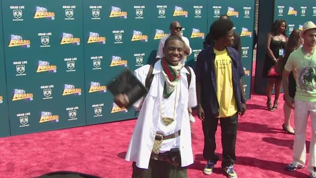 vídeos y material grabado en eventos de stock de soulja boy at the 2008 bet awards at los angeles california. - black entertainment television