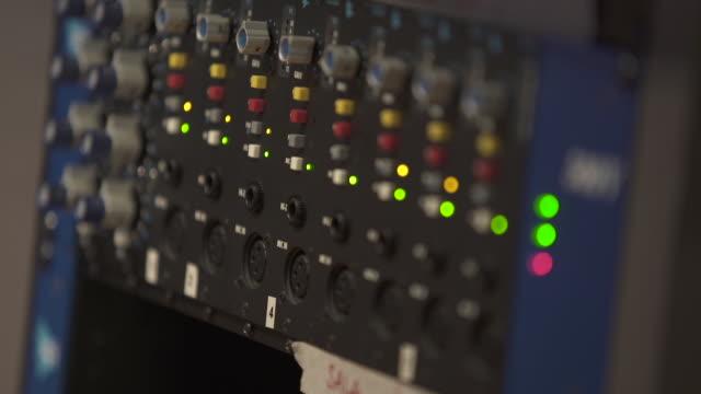 vidéos et rushes de sound table buttons - matériel hi fi
