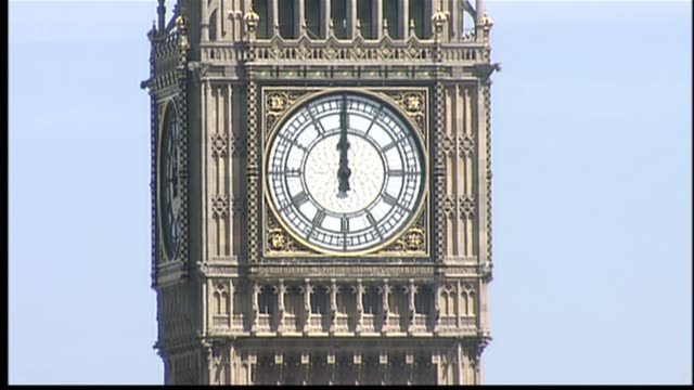 one minutes silence itv news special pab westminster houses of parliament ext big ben clock face striking at 12 o clock sot - itv news at one stock videos & royalty-free footage