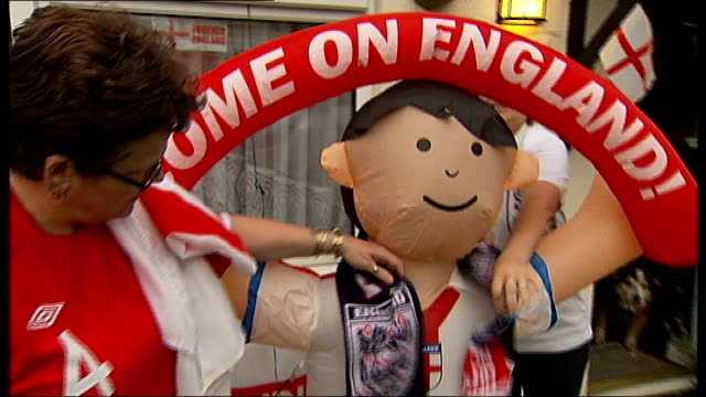 england v usa buildup fran mckenzie interview sot scarf draped around neck of inflatable england fan jemma mckenzie interview sot home of dowling... - neckwear stock videos and b-roll footage
