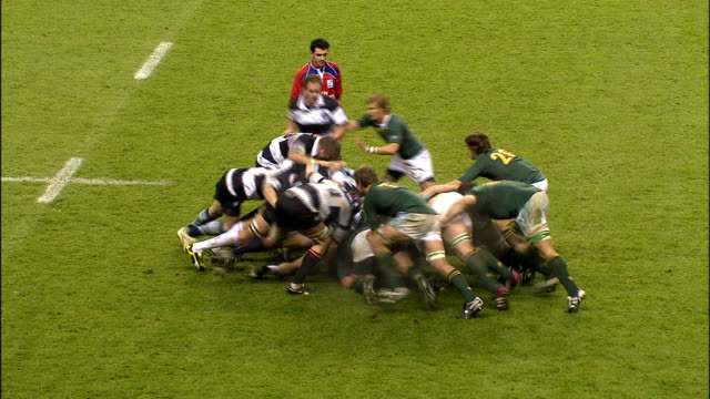 south africa awarded penalty kick after barbarian scrum collapses barbarians v springboks 4th december 2010 available in hd - スクラム点の映像素材/bロール