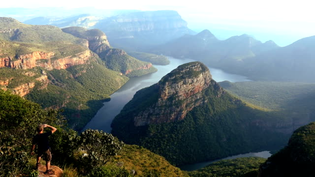 south africa male blyde river canyon mpumalanga escarpment  - provinz mpumalanga stock-videos und b-roll-filmmaterial