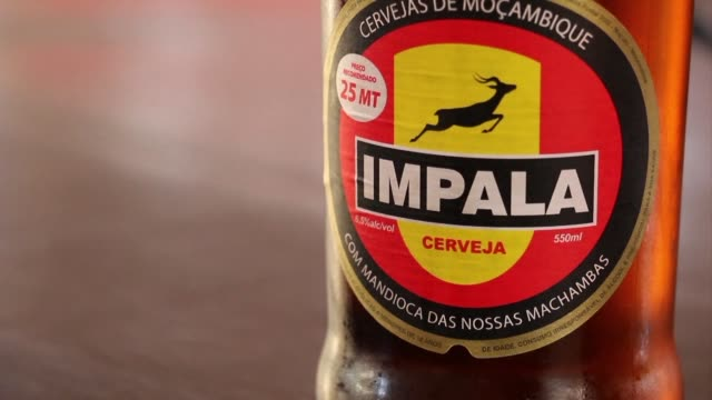 vídeos y material grabado en eventos de stock de south africa's competition tribunal approves the blockbuster buyout of sabmiller by the world's top brewer ab inbev subject to conditions paving the... - anheuser busch inbev