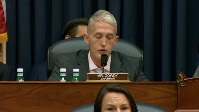 south carolina congressman trey gowdy asks fbi deputy assistant director peter strzok how many interviews were conducted during the alleged collusion... - früherer stock-videos und b-roll-filmmaterial