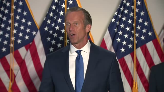 south dakota senator john thune tells reporters at a weekly news conference that the united states was in a different circumstance then in march... - united states congress点の映像素材/bロール