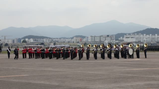 stockvideo's en b-roll-footage met south korean defense ministry honor guards army navy airforce marines attend the media day of the 71th south korea armed forces day ceremony on... - south korean army