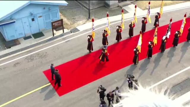 south korean president moon jae-in and north korean leader kim jong un attend the official welcome ceremony ahead of the inter-korean summit on april... - roh moo hyun stock videos & royalty-free footage