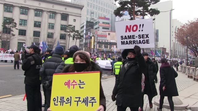 south korea's conservative christians protesting against homosexuality and samesex marriage in the city of seoul capital of the republic of korea... - ホモフォビア点の映像素材/bロール