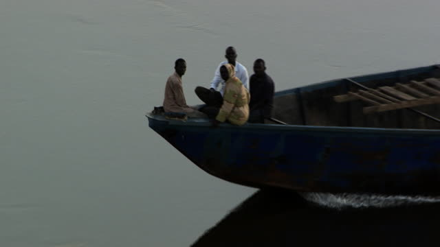 south sudan : boat on the nil - river nile stock videos & royalty-free footage