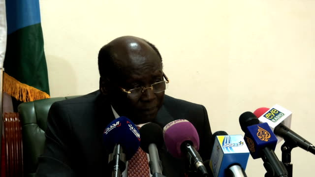 south sudan government has launched an investigation of the intergovernmental authority on development over remarks by the senior igad official and... - ジュバ市点の映像素材/bロール
