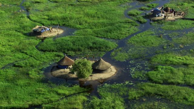 south sudan : village near of the nil - 村点の映像素材/bロール