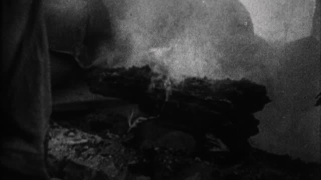 vidéos et rushes de soviet army invades germany / germany - armée rouge
