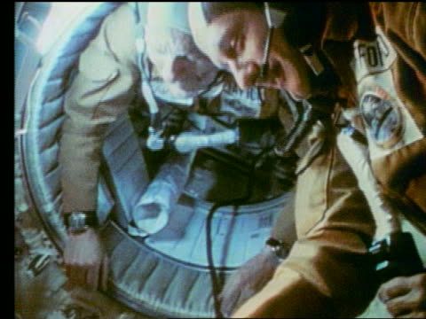 us soviet astronauts shaking hands / apollosoyuz - 1975 stock videos & royalty-free footage