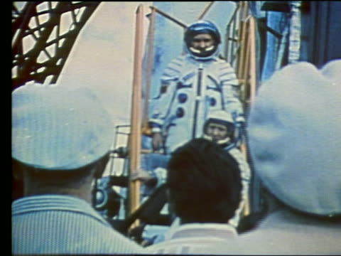 soviet cosmonauts on stairs to soyuz rocket - anno 1975 video stock e b–roll
