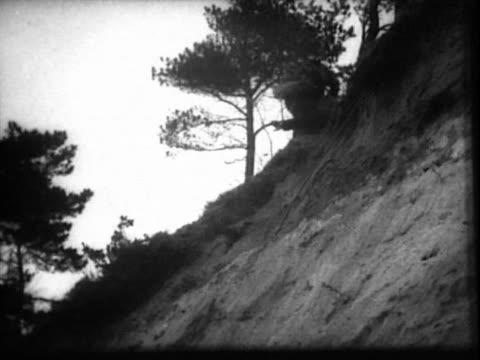 stockvideo's en b-roll-footage met soviet spy training film - geheime dienstagent