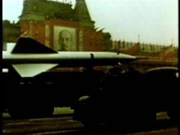 soviet union military procession audio / moscow, russia - tidigare sovjetunionen bildbanksvideor och videomaterial från bakom kulisserna