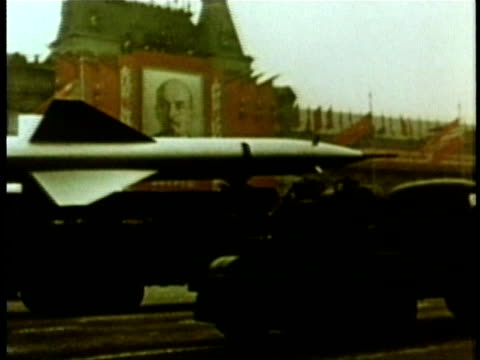 soviet union military procession audio / moscow, russia - guerra fredda video stock e b–roll