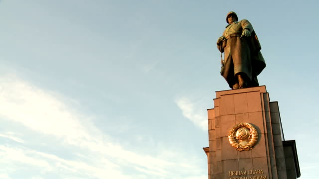 soviet war memorial (tiergarten) compilation, berlin - cyrillic script stock videos & royalty-free footage