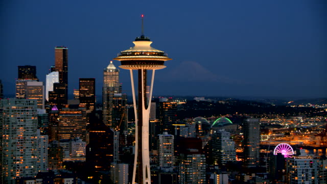 aerial space needle at night - seattle stock-videos und b-roll-filmmaterial