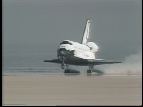 space shuttle discovery landing - space shuttle discovery stock videos & royalty-free footage